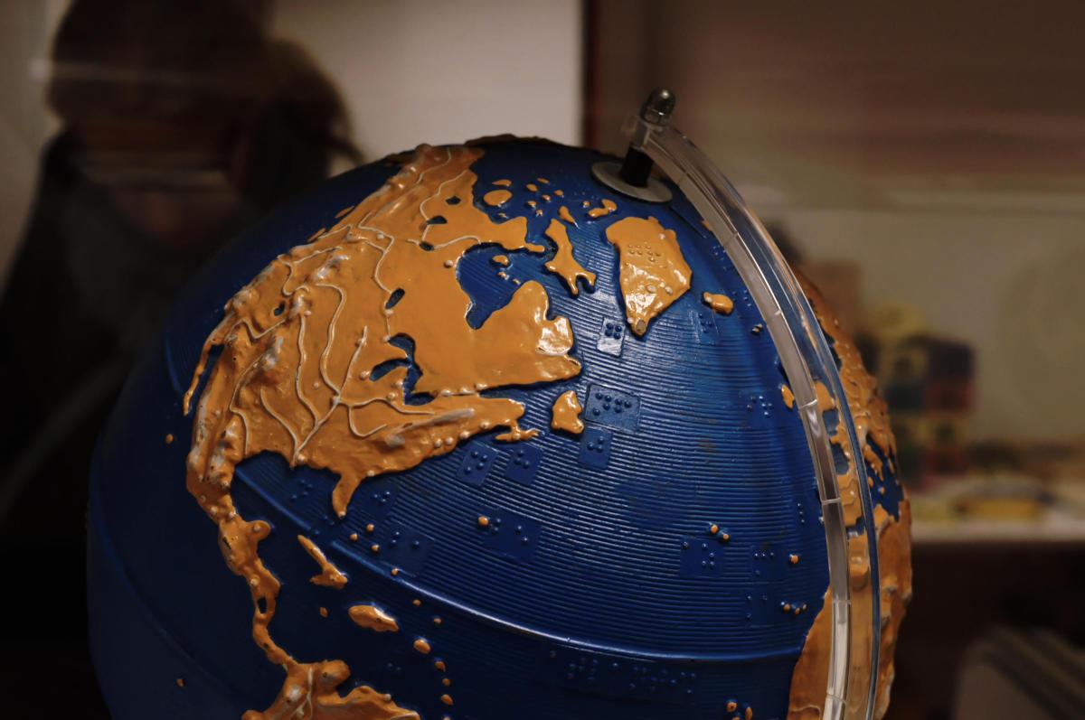 Globus für Sehbehinderte
