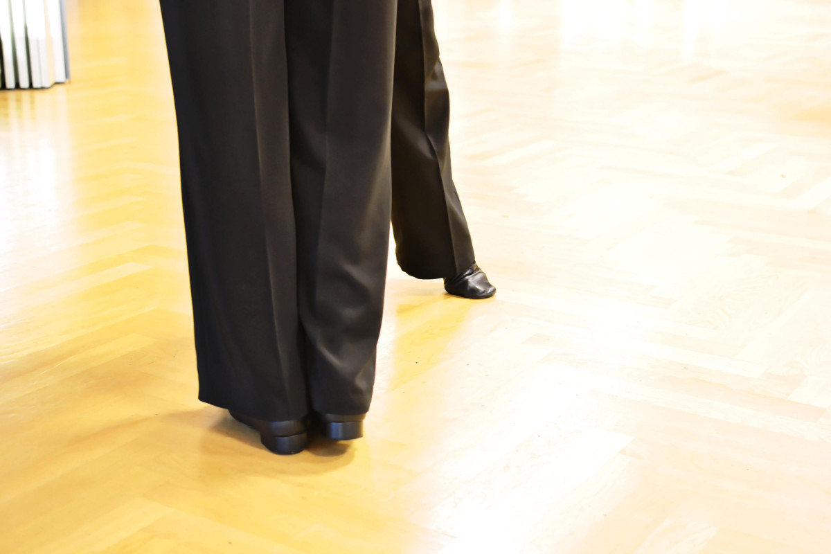 Beine von Tanzenden