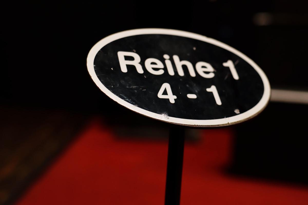 Beschriftung Reihe 1 in Schmidts Tivoli