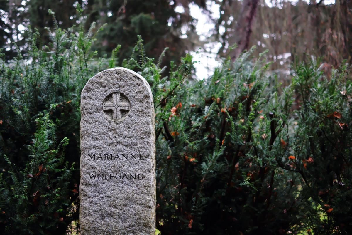 Ein Grab